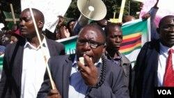 Nhengo dzePrayer Network Zimbabwe dzichifora muHarare dzakatungamirirwa naVaJacob Ngarivhume veTransform Zimbabwe