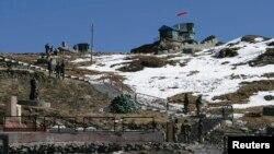 印度军队在中印边境巡逻(资料照片)