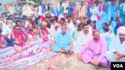 مظاہرین کا کہنا ہے کہ سندھ کے نہری نظام میں نقائص بھی پانی کی کمی کی وجہ بن رہے ہیں۔