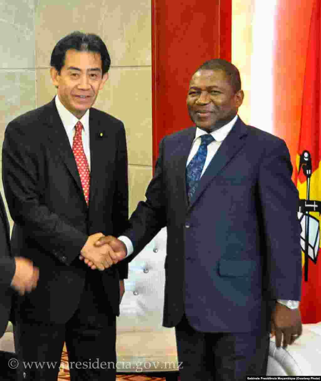 Presidente Nyusi com o enviado especial do Primeiro-Ministro do Japão