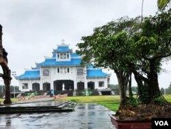 Ngày 15 tháng 8 năm 2012 lễ đặt viên đá đầu tiên xây dựng Tiểu Vương Cung Thánh Đường La Vang mới, với các góc mái uốn cong như ngôi đình, mang phong cách kiến trúc Việt Nam.