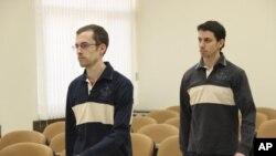 دو تن از زندانیان امریکایی که از دوسال به اینسو در قید به سر میبرند.