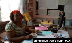 Marie Catherine Minkale, directrice du groupe scolaire bilingue Les Angelos à Yaoundé, le 15 décembre 2017. (VOA/Emmanuel Jules Ntap)