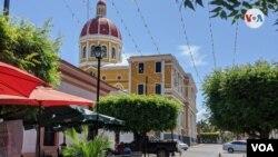 Calle la Calzada en Granada, Nicaragua. [Foto: Miguel Bravo}