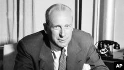 20세기 초중반 미국 대중문화의 대표적인 연국/영화 연출자이자 제작자인 조지 애벗.