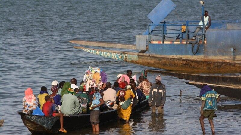 Des centaines de déplacés après un massacre rentrent chez eux