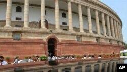 'پارلیمان میں جمعہ کو انسداد بدعنوانی کے نئے قانون پربحث متوقع نہیں'