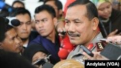 Kapolri Badrodin Haiti (saat itu masih menjabat sebagai Wakapolri) memberikan keterangan kepada wartawan di Jakarta, 23 Maret 2015.(Foto: dok/VOA/Andylala)