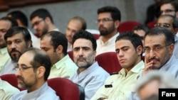 مصطفی تاجزاده از شش سال پیش در ایران زندانی است و گاهی خانواده او نامه های وی از زندان را منتشر می کنند