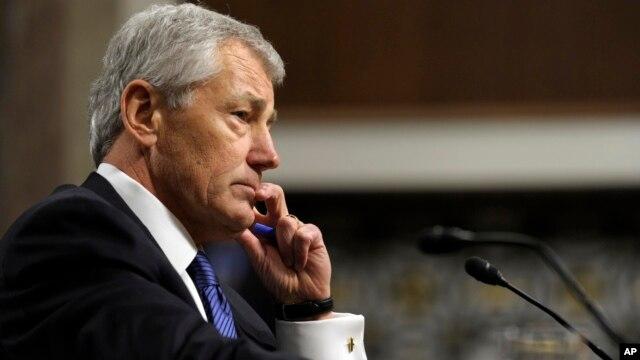 Cựu Thượng nghị sĩ Chuck Hagel trong buổi điều trần trước Ủy ban Quân vụ Thượng viện 31/1/13
