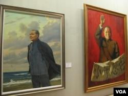 中国画展中的邓小平画像(美国之音张楠拍摄)