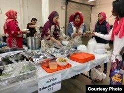 Stan makanan di acara Indo Feast Halal Festival di San Jose, California (dok: Ake Pangestuti)