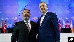 Başbakan Erdoğan ve Mısır'ın devrik Cumhurbaşkanı Muhammet Mursi 2012 yılında Ankara'da bir araya gelmişti.