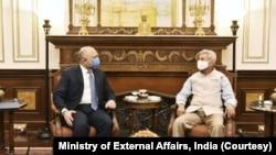 افغانستان کے وزیرِ خارجہ حنیف اتمر پیر کو تین روزہ دورے پر نئی دہلی پہنچے تھے۔
