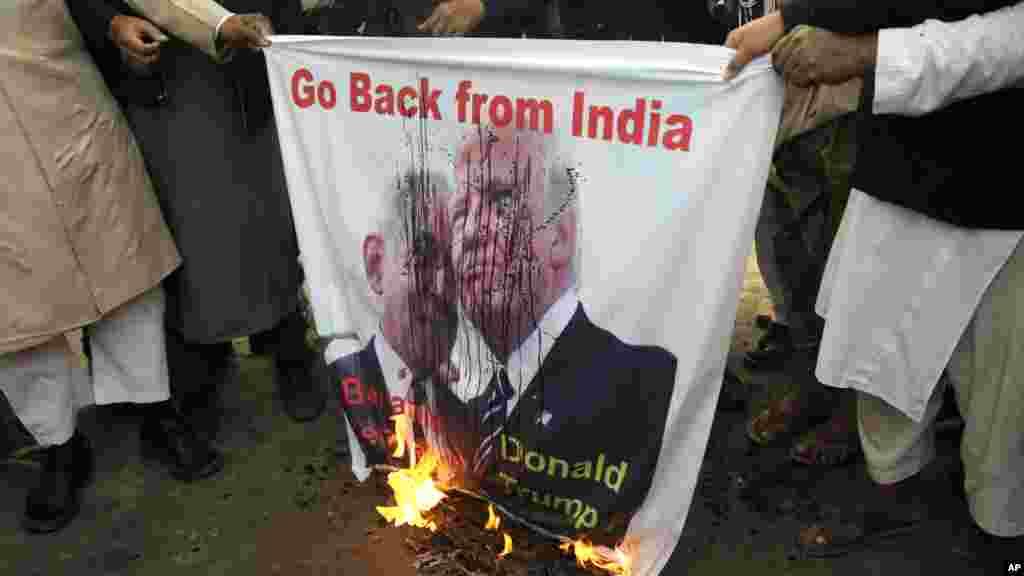 Protestos na Índia contra o Presidente Trump.