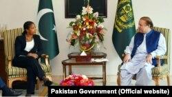 美国国家安全顾问苏珊·赖斯在伊斯兰堡同巴基斯坦总理谢里夫举行会晤。(2015年8月30日)