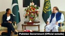سوزان رایس هند و پاکستان را به از سرگیری مذاکرات صلح ترغیب کرد