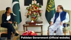 U.S. National Security Advisor Susan Rice calls on Pakistan Prime Minister Muhammad Nawaz Sharif at the PM House, Islamabad, Aug. 30, 2015.