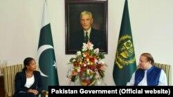 Penasehat Keamanan Nasional AS Susan Rice bertemu dengan Perdana Menteri Pakistan Muhammad Nawaz Sharif di kediamanan Perdana Menteri, Islamabad, Pakistan, 30 Agustus 2015.