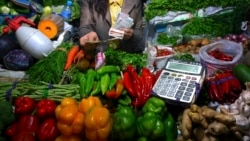 Hỏi đáp Y học: Có nên để qua đêm rau nấu chín? An toàn của chất nêm nếm?