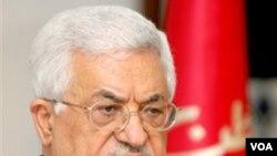 Presiden Palestina Mahmud Abbas di Kairo untuk bertemu Sekjen Liga Arab Amir Mussa dan Presiden Mesir Husni Mubarak.