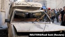 Vozilo oštećeno u eksploziji, arhivska fotografija (Foto: REUTERS/Rodi Said)