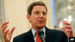مارک گروسمن میگوید که امریکا نمیخواهد اشتباهات دهۀ 1990 را تکرار نموده و افغانستان را تنها بگذارد