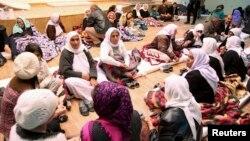 지난달 19일 이라크 소수민족인 야지디족이 시크한 지역 ㄴ난민 수용소에 거류하고 있다.