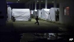 خانہ جنگی سے متاثرہ خاندانوں کے لیے قائم ایک عارضی کیمپ