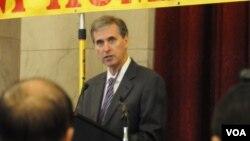 Phó trợ lý Ngoại trưởng Hoa Kỳ Scott Busby