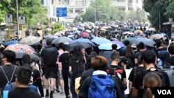 资料照片:大批香港市民自发在大浦上街表达反送中诉求。(2019年8月10日)