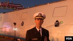 美国海军作战部长理查森上将2016年10月15日称朱姆沃尔特号驱逐舰是对手的最坏噩梦(美国之音黎堡拍摄)