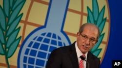 El director general de la Organización para la Prohibición de Armas Químicas, Ahmet Uzumcu, en una conferencia de prensa sobre la misión de destrucción de armas químicas en Siria.