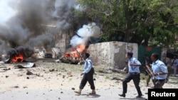 4月14日索马里警察赶赴事发地点