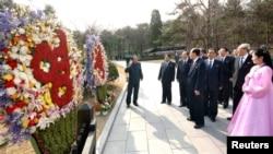 组图:朝鲜庆祝金日成诞辰但未射导弹