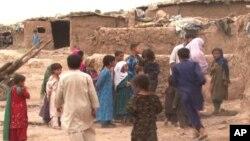 پاکستانی حکام کا کہنا ہے کہ افغان بچوں کی تعلیم پر خصوصی توجہ دی جاتی رہی ہے۔