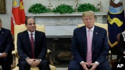 Faayiilii - Prezidaantii Yunaaytid Isteets Doonaald Traamp fi prezidaantii Masrii Abdel Fettaah El-Sisii