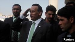 امریکہ میں پاکستان کے سابق سفیر حسین حقانی (فائل)