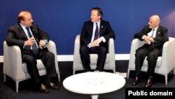 Pokiston Bosh vaziri Navoz Sharif (chapda), Afg'oniston Prezidenti Ashraf G'ani (o'ngda va Britaniya Bosh vaziri Deyvid Kameron, Parij, 30-noyabr, 2015-yil