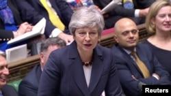 Britanska premijerka Tereza Mej tokom debate u parlamentu