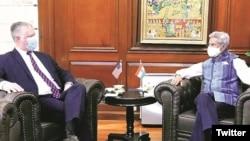 美国副国务卿比根与印度外长苏杰生2020年10月12日在印度新德里举行会谈。