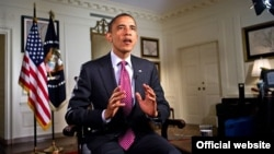 Presidenti Barack Obama gjatë fjalimit të përjavshëm në radio dhe internet (Photo: White House / Chuck Kennedy)