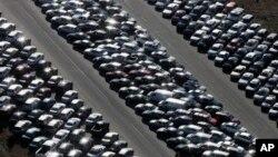 Hiljade automobila oštećenih tokom oluje Sendi