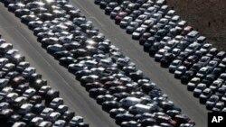 Kota Riverhead merundingkan kontrak 2,7 juta dolar untuk menyimpan ribuan mobil, yang diselamatkan setelah tersapu badai Sandy, sampai satu tahun (foto: Dok).