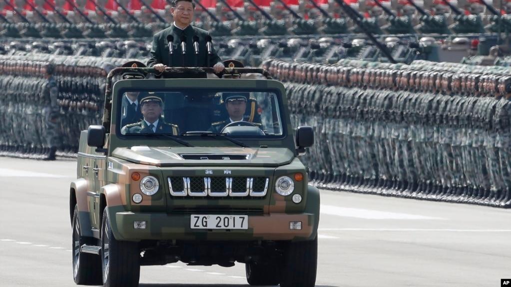 中國國家主席習近平為香港主權回歸中國20週年在香港檢閱中國人民解放軍駐港部隊。 (2017年6月30日)