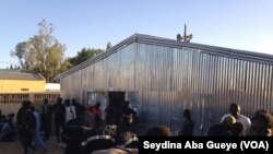"""Le défunt Khalife des mourides repose désormais dans sa demeure de """"Gouye Mbinde"""" à proximité de la grande mosquée de Touba, Sénégal, 10 janvier 2018. (VOA/ Seydina Aba Gueye)"""