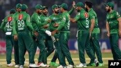 سری لنکا کی ٹیم میں سینئر کھلاڑی شامل نہیں تھے لیکن اس کے باوجود اس نے عالمی نمبر ایک پاکستان کو سیریز میں وائٹ واش کردیا۔