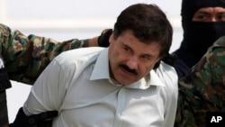 """Gembong narkoba Meksiko, Joaquin """"El Chapo"""" Guzman, saat ditangkap di Mexico City, 22 Februari 2014 (Foto: dok)."""