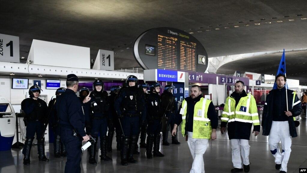 Một cuộc đình công của nhân viên hãng hàng không Air France.