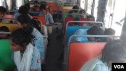 سکول بس۔